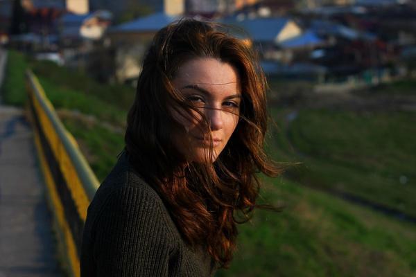 Profumo di donna: il ruolo dei feromoni nell'attrazione erotica