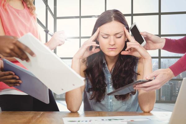 Cefalea muscolo tensiva e mestruale: come prevenirla