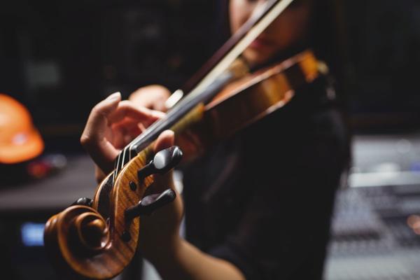 Il dono di Apollo: fare musica allena, dà gioia e cura